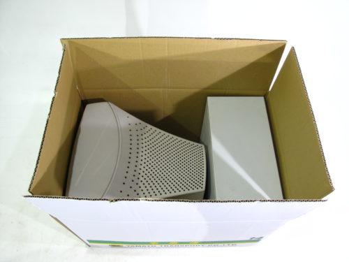 15インチブラン管モニターが指定された梱包箱に入る例