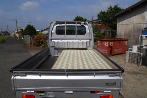 軽トラックに積み込んだシングルサイズマットレス