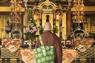 お仏壇や人形などの供養について